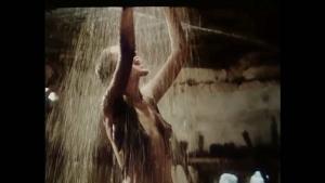 """Кадр з фільму """"Голос трави"""". О. Сумська - обряд ініціювання юної чаклунки"""