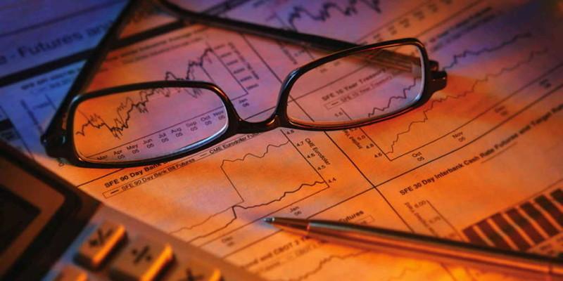 Базисні відносини та інститути національної економіки