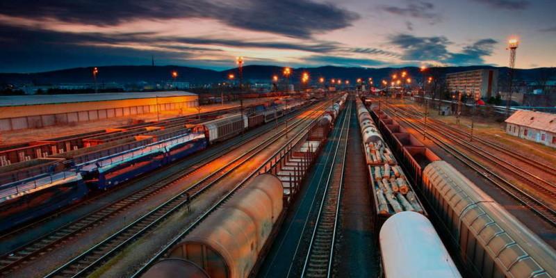Значення і місце залізничного транспорту