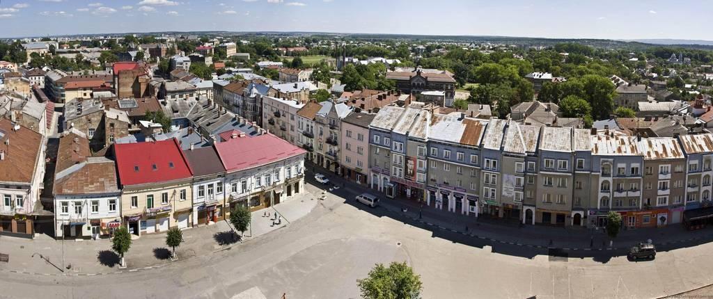 Вид на площу Ринок з ратуші