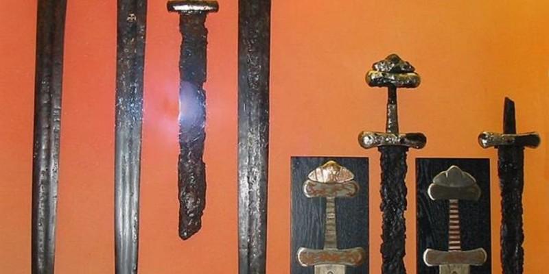 Класифікація давньоруських мечів за Я.Петерсоном