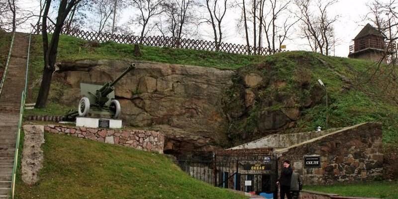 Об'єкт Скеля в Коростені