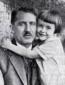 Лідер ОУН із сином Юрком. Фото з архіву Святослава Липовецького