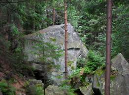 Скелі Довбуша у Яремчі