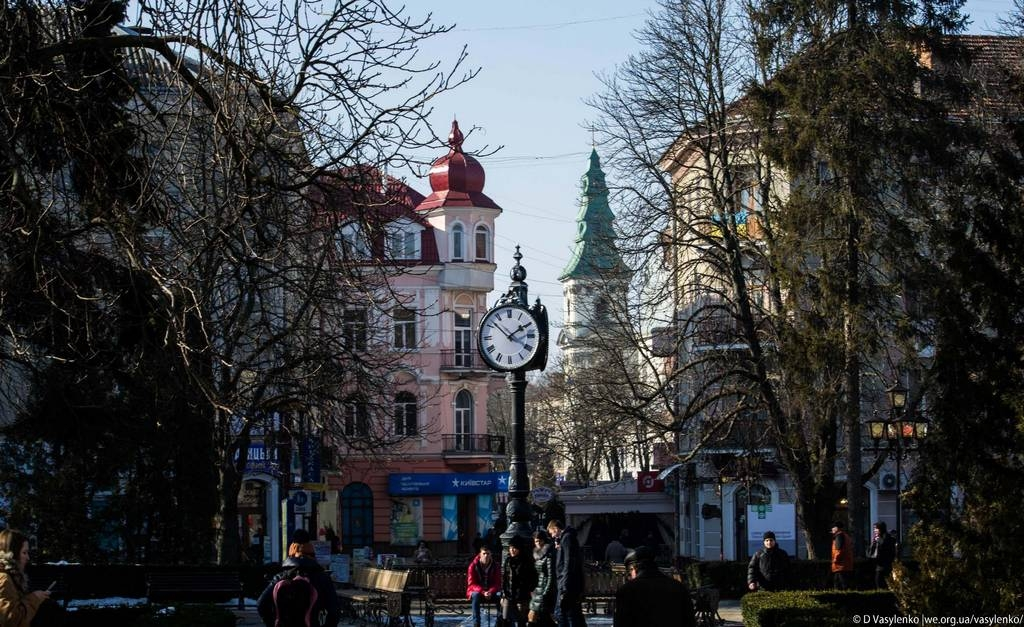Годинник на центральній площі Тернополя