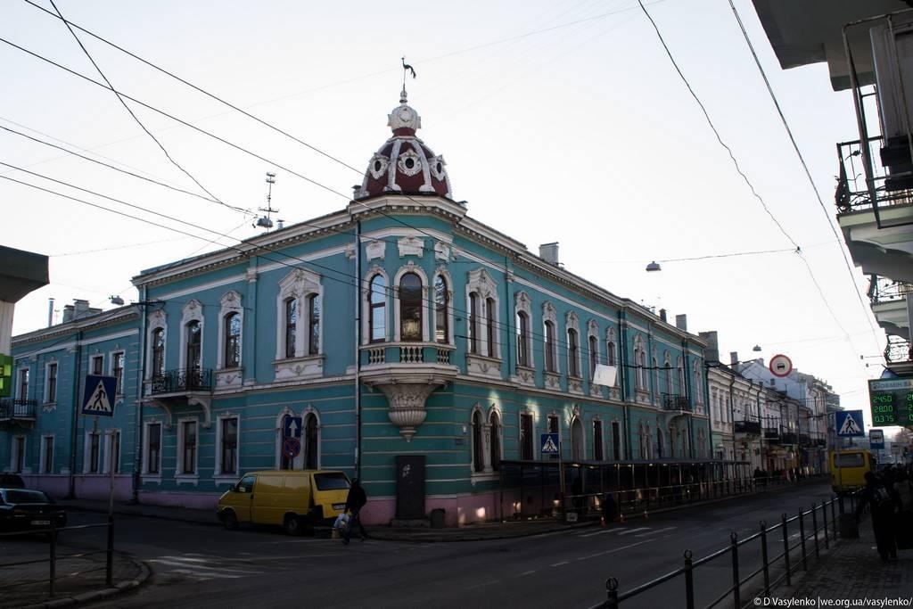 Старовинний будинок на Руській