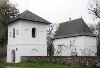 Іллінська церква в селі Топорівці