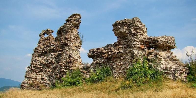 Замок Нялаб